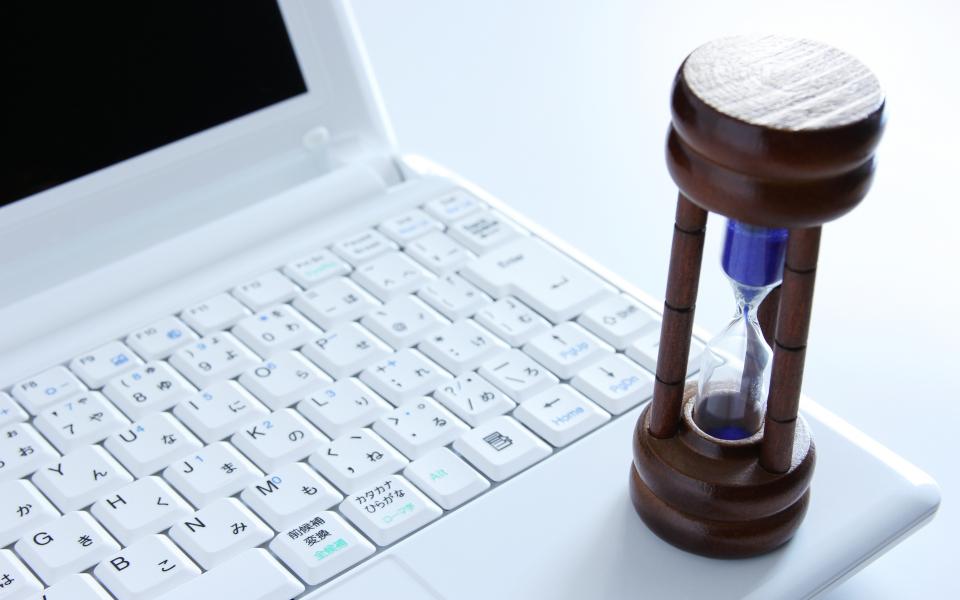「Asisol.LLC」でWebページ制作はご契約期間に縛りはありません。